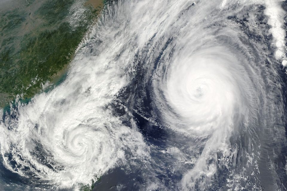 https://hungarianhub.com/wp-content/uploads/2019/08/hurricane-67581_960_720-960x640.jpg